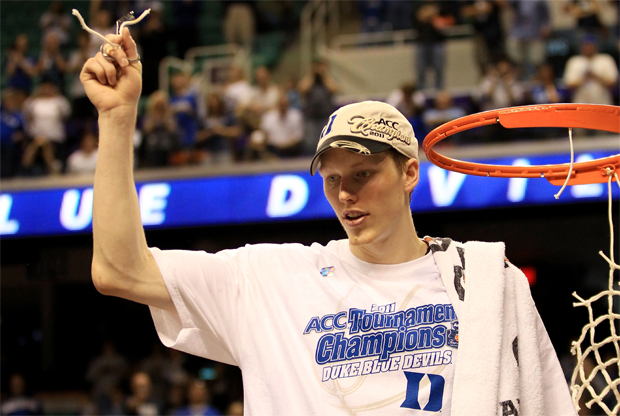 Kyle Singler (#12 Duke Blue Devils) celebra la victoria sobre North Carolina./ Getty Images