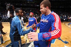 John Wall y Blake Griffin saludándose en el All-Star. / Getty Images