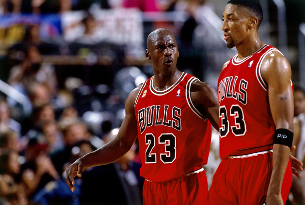 Scottie Pippen y Michael Jordan durante las Finals 1996 (5º partido): Chicago Bulls vs. Seattle SuperSonics./ Getty Images