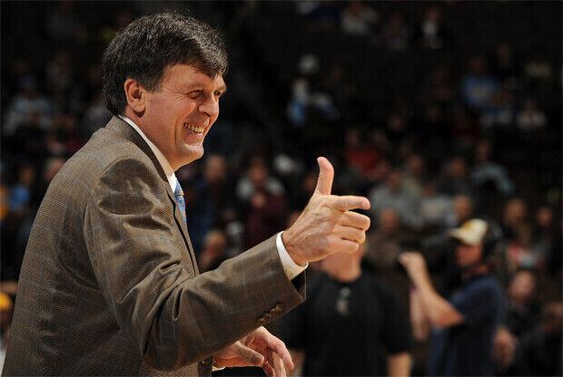 Kevin McHale en su época como entrenador de Minnesota Timberwolves./ Getty Images