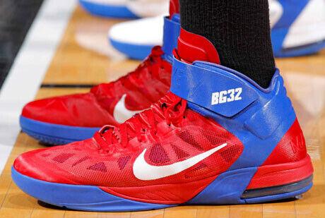 Detalle de las zapatillas de Blake Griffin (LA Clippers)./Getty Images