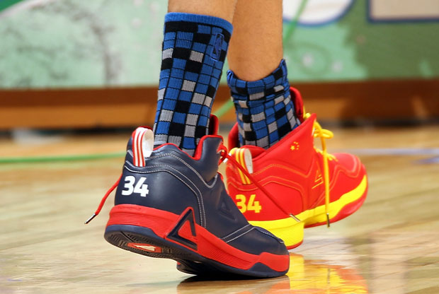 Las zapatillas Peak de JaVale McGee./Getty Images
