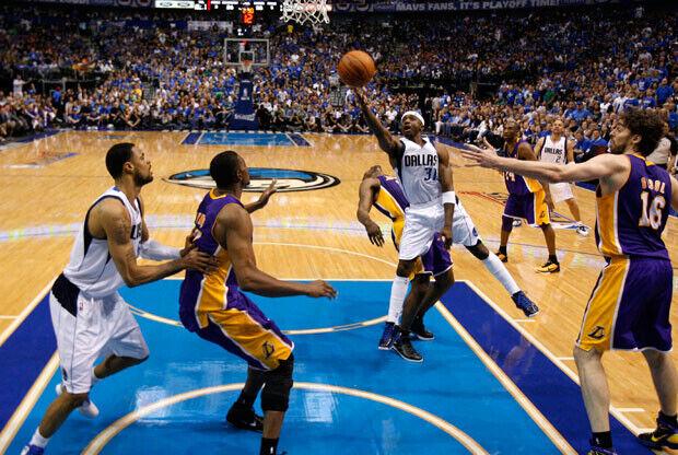 Jason Terry, el mejor de los Mavs en la victoria ante los Lakers