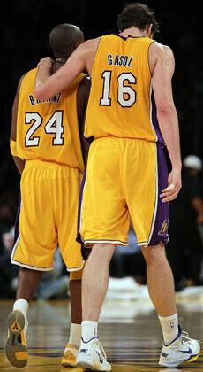 La pareja de los Lakers, Kobe Bryant y Pau Gasol./Getty Images