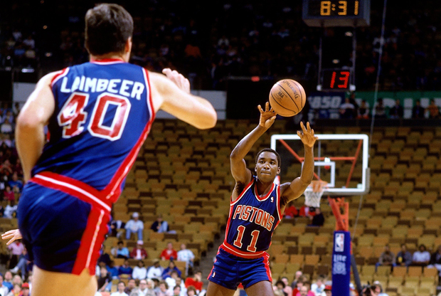 Isiah Thomas y Bill Laimbeer (Detroit Pistons) - 1987./ Getty Images