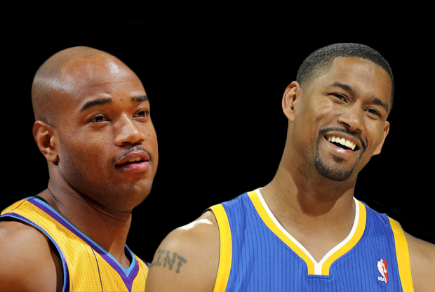 Jarret Jack (New Orleans Hornets) y Charlie Bell (Golden State Warriors)./ Getty Images