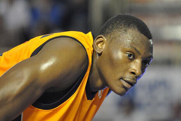 Biyombo, con la camiseta del Fuenlabrada en un partido de la ACB./ACB Photos