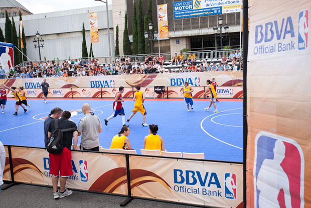 Imagen de la Pista Central de NBA 5 United Tour 2011, en Barcelona./NBA