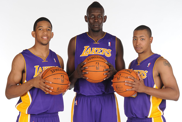 Los rookies 2011 de los Lakers./Getty