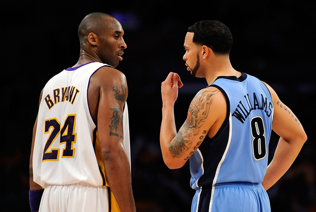 Kobe Bryant (Los Angeles Lakers) junto a Deron Williams (en su etapa con Utah Jazz)./ Getty Images