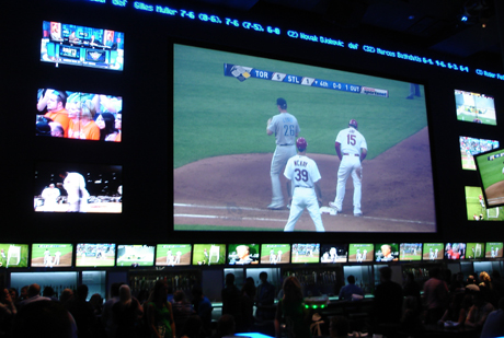 REAL SPORTS BAR & GRILL