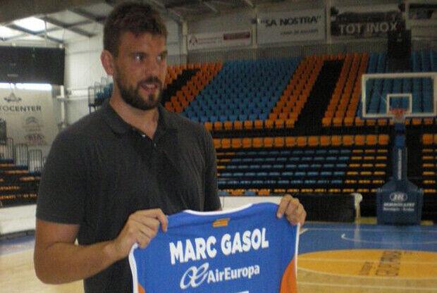 Marc Gasol con la camiseta del Menorca Basquet