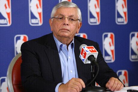 David Stern, comisionado de la NBA, durante la rueda de prensa en que se anunció el cierre patronal./Getty