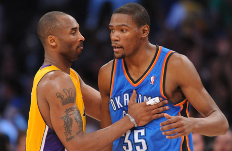 Kobe Bryant (Los Angeles Lakers) y Kevin Durant (Oklahoma City Thunder)./ Getty Images