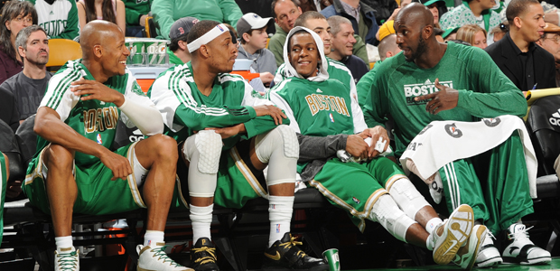Ray Allen #20 Paul Pierce #34 Rajon Rondo #9 y Kevin Garnett #5 de Boston Celtics./ Getty Images