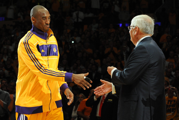 Kobe Bryant y David Stern./ Getty Images