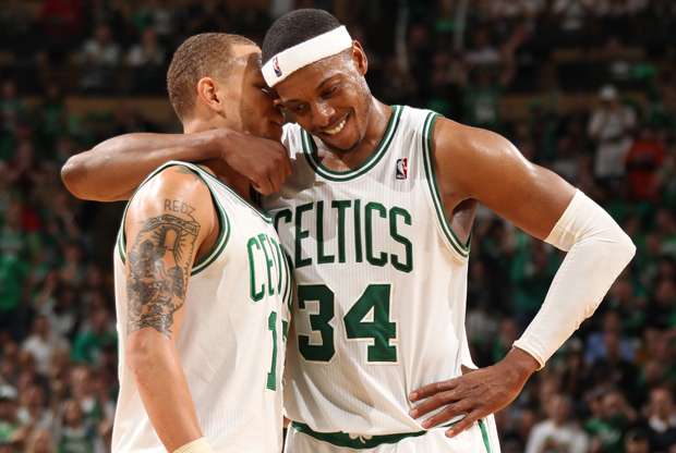 Paul Pierce y Delonte West (Boston Celtics)./ Getty Images