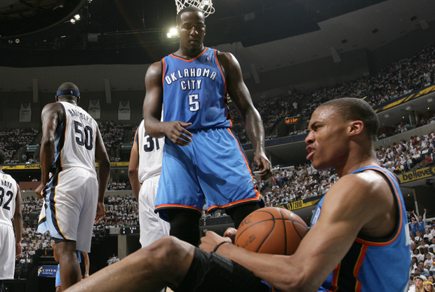 Kendrick Perkin y Russell Westbrook (Oklahoma City Thunder)./ Getty Images