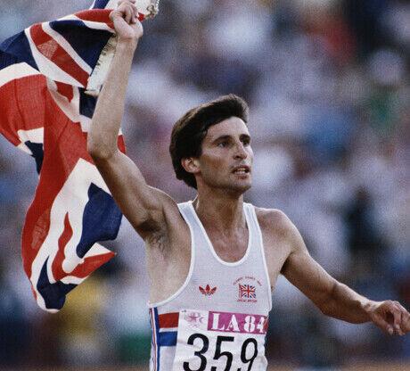 Sebastian Coe celebra su victoria en los 1.500 metros (JJ.OO. 1984 Los Angeles)./ Getty Images