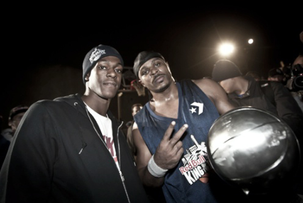 "Rajon Rondo y Hugh ""Baby Shaq"" Jones./ Red Bull"