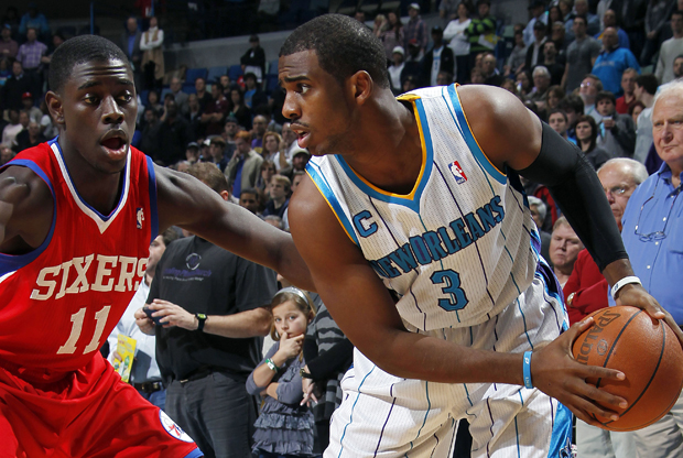 Chris Paul (New Orleans Hornets) y Jrue Holiday (Philadelphia 76ers)./ Getty Images