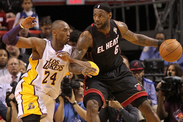 LeBron James (Miami Heat) y Kobe Bryant (Los Angeles Lakers)./ Getty Images