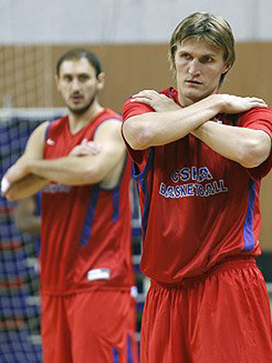 Andrei Kirilenko y Nenad Krstic./ CSKA