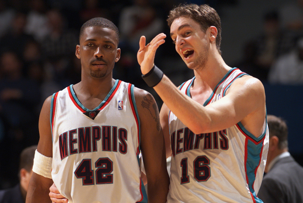 Pau Gasol y Lorenzen Wright./ Getty Images