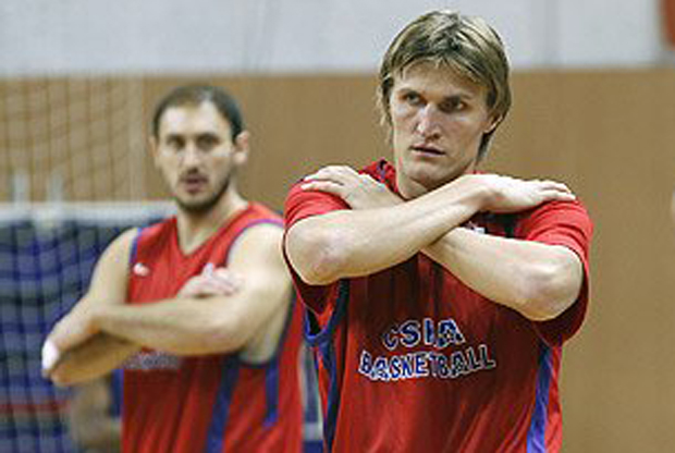 Nenad Krstic y Andrei Kirilenko./ CSKA