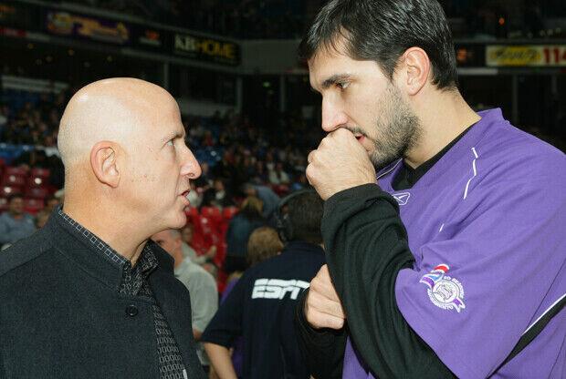 David Falk (agente) y Peja Stojakovic./ Getty Images