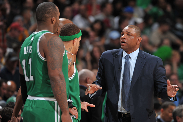 Glen Davis, Delonte West y Doc Rivers./ Getty Images