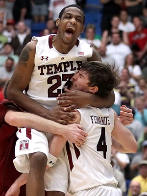 Juan Fernández y Ramone Moore (Temple Owls)./ Getty Images