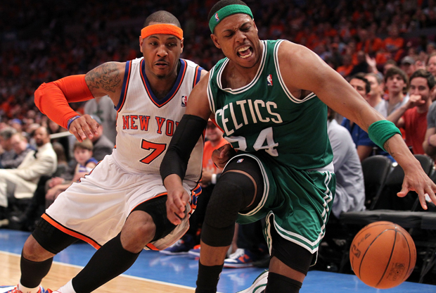 Carmelo Anthony y Paul Pierce./ Getty Images