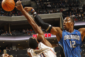 D.J. White y Dwight Howard./ Getty Images