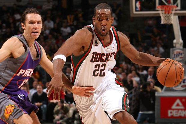 Michael Redd y Steve Nash./ Getty Images