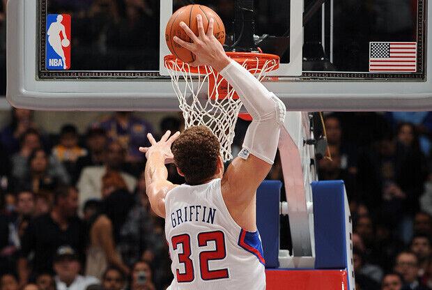 Espectacular acción de Blake Griffin en la segunda victoria de los Clippers frente a los Lakers en pretemporada./ Getty
