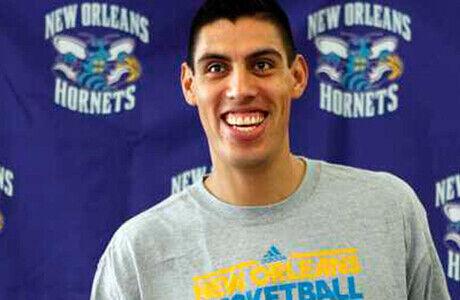 Gustavo Ayón./ NBA