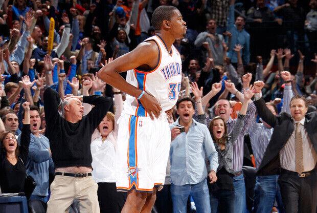 Kevin Durant desata la locura./ Getty