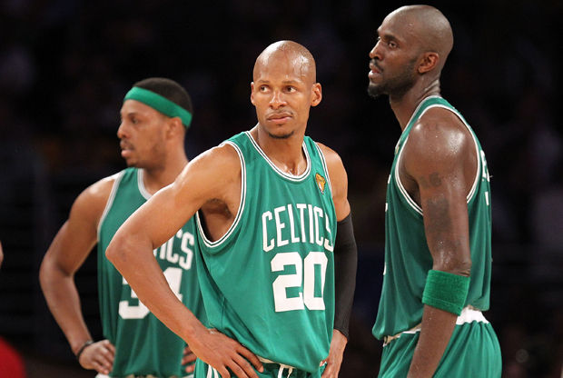 Paul Pierce #34, Ray Allen #20 y Kevin Garnett #5. Getty Images