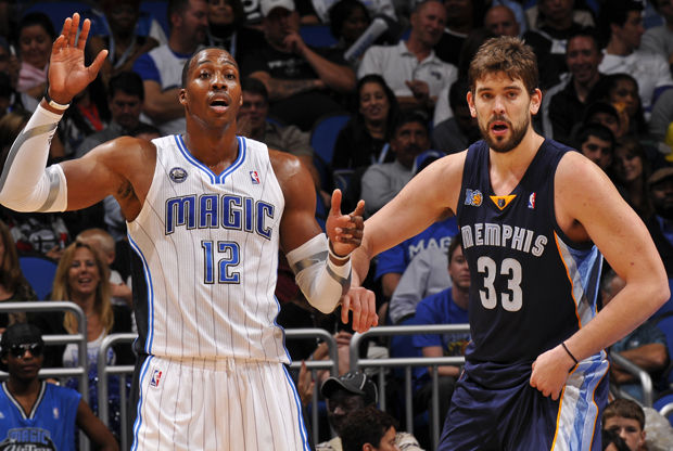 Dwight Howard y Marc Gasol./ Getty Images