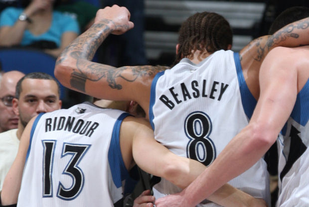 Michael Beasley y Luke Ridnour./ Getty Images