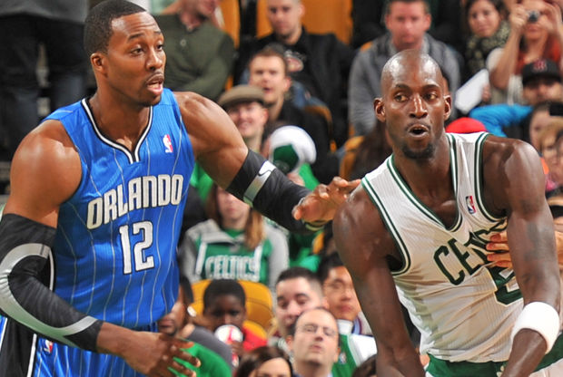 Kevin Garnett y Dwight Howard./ Getty Images