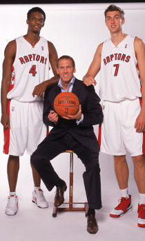 Chris Bosh #4, Bryan Colangelo y Andrea Bargnani #7./ Getty Images