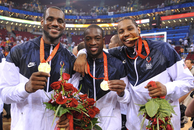 LeBron James #6, Dwyane Wade #9 y Carmelo Anthony #15./ Getty Images