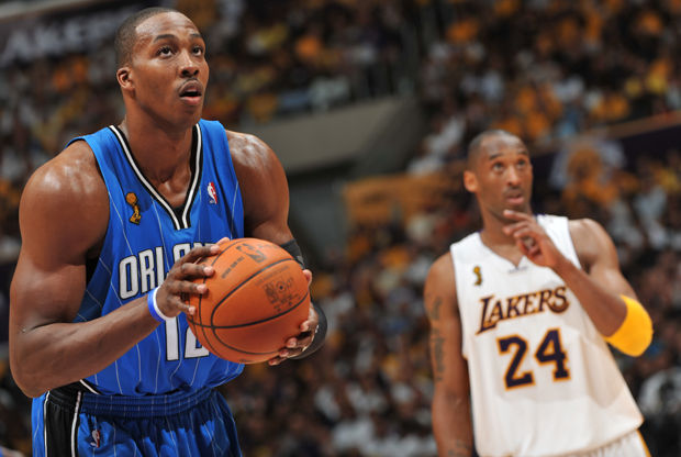 Dwight Howard y Kobe Bryant./ Getty Images