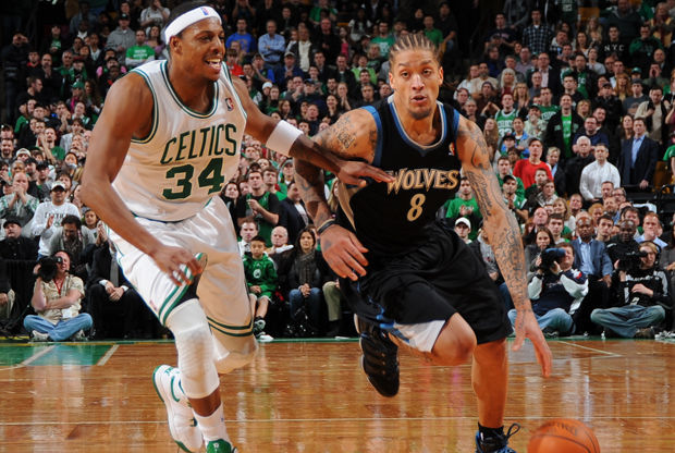 Michael Beasley y Paul Pierce./ Getty Images