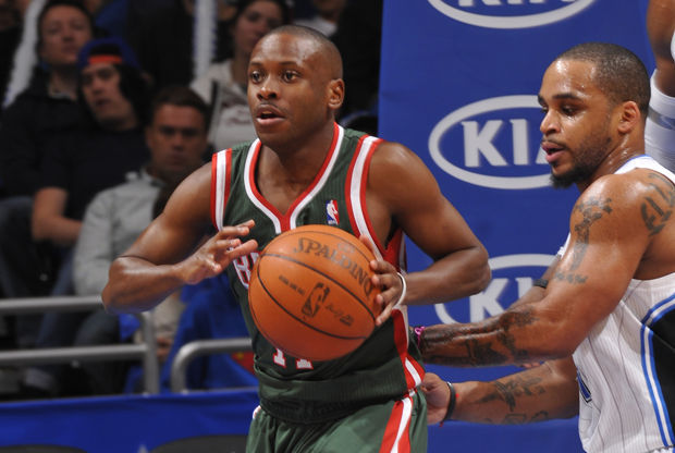 Earl Boykins y Jameer Nelson/ Getty Images