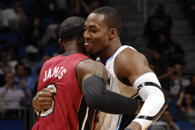 LeBron James y Dwight Howard./ Getty Images