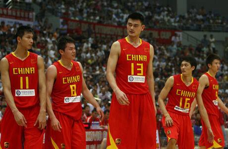 Yi Jianlian, Zhu Fangyu, Yao Ming, Chen Jianghua y Sun Yue./ Getty Images