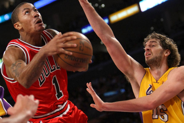 Derrick Rose y Pau Gasol./ Getty Images